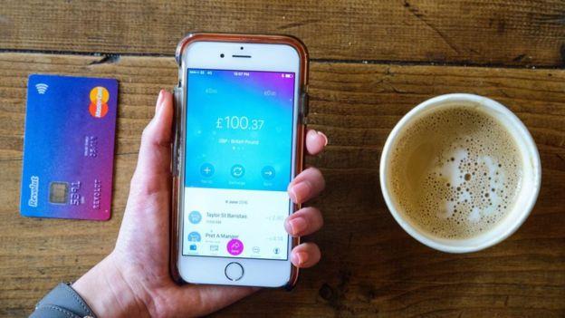 ¿Las aplicaciones de finanzas personales nos hacen ahorrar o gastar más?