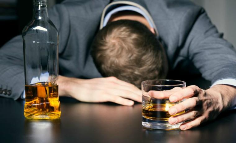 Conoce cuánto tiempo puede durar el alcohol en la sangre