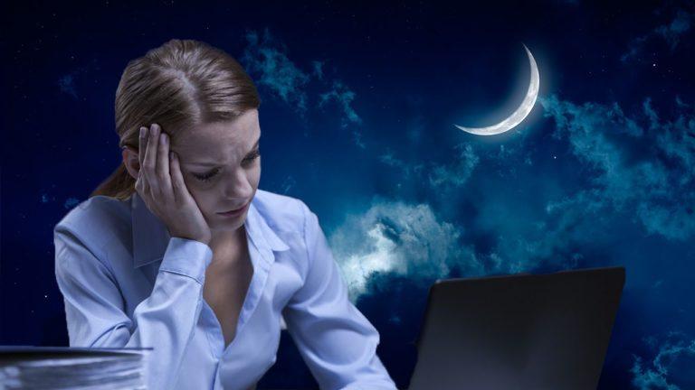 Atención mujeres: Trabajar de noche aumenta riesgo de sufrir cáncer de mama