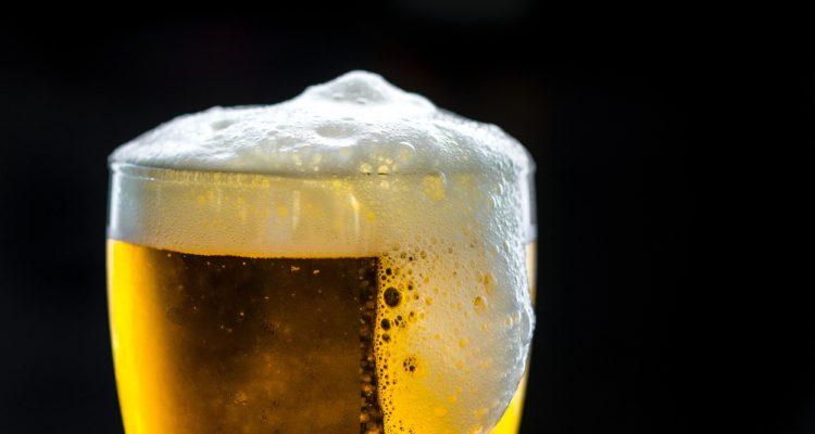 """Investigadores israelíes reproducen la """"cerveza de los faraones"""" con levadura de hace 3 mil años"""